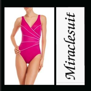 Miraclesuit swimsuit pink NWT 10